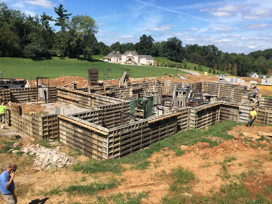 pouring-basement-walls-for-louisville-luxury-homes
